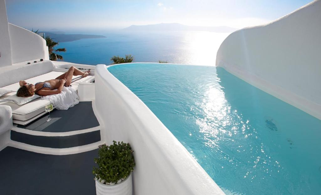 5 Hotel A Santorini Con Piscina In Camera Grecia Info