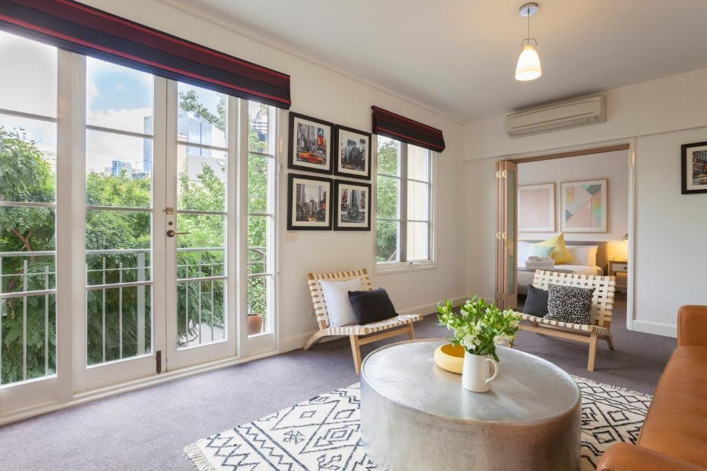 BOUTIQUE STAYS - Wellington Mews, Apartment in East Melbourne