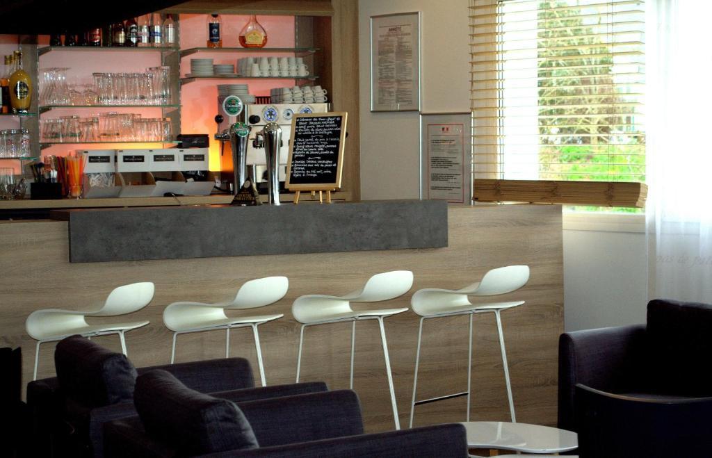 kyriad prestige vannes centre palais des arts r servation gratuite sur viamichelin. Black Bedroom Furniture Sets. Home Design Ideas