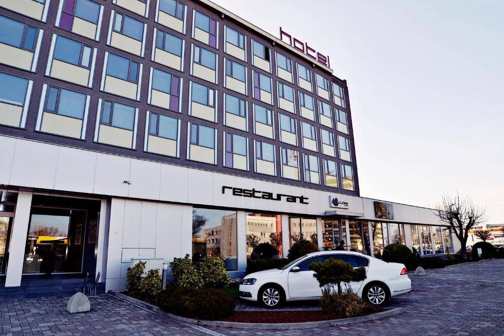 Aston hotel r servation gratuite sur viamichelin for Hotel design 21 bratislava