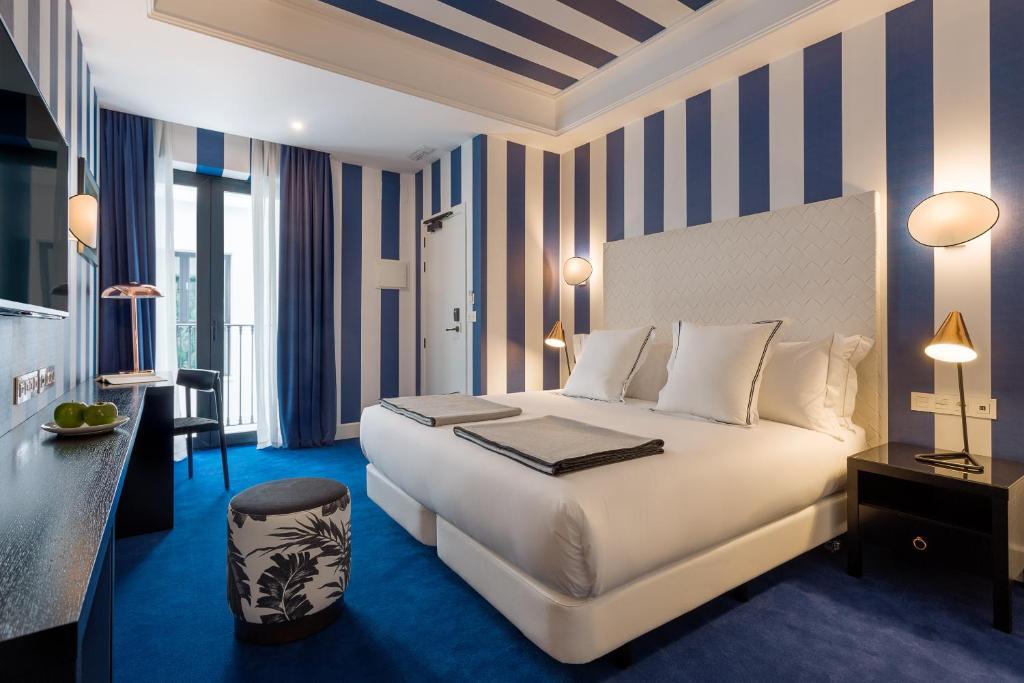 Room Mate Valeria