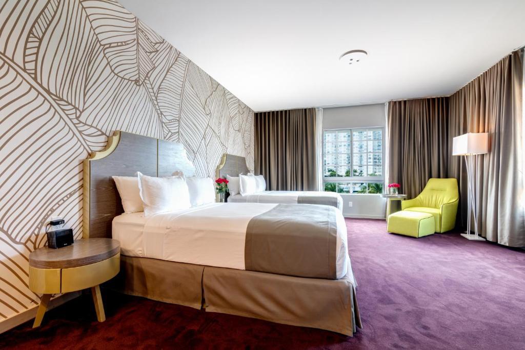L Hotel Photo #19