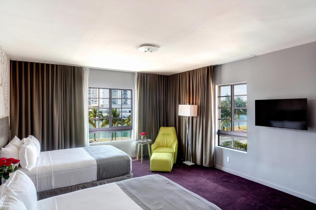 L Hotel Photo #20