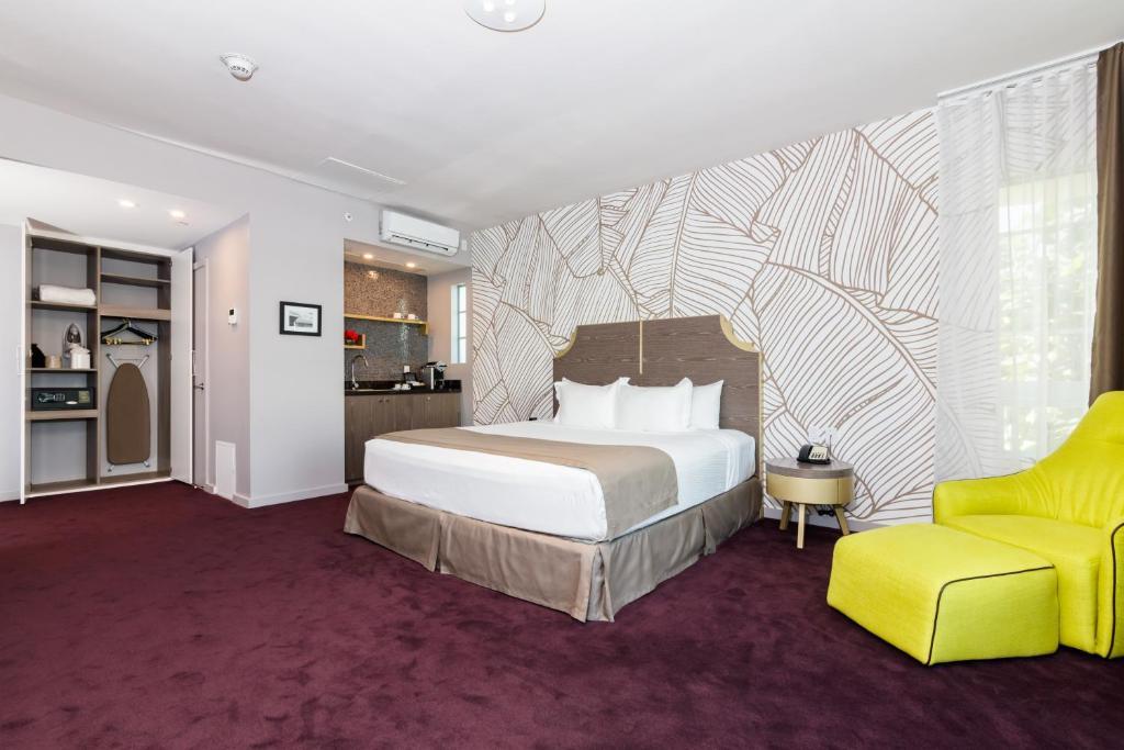 L Hotel Photo #21