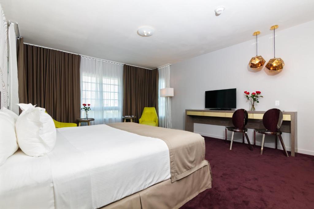 L Hotel Photo #30
