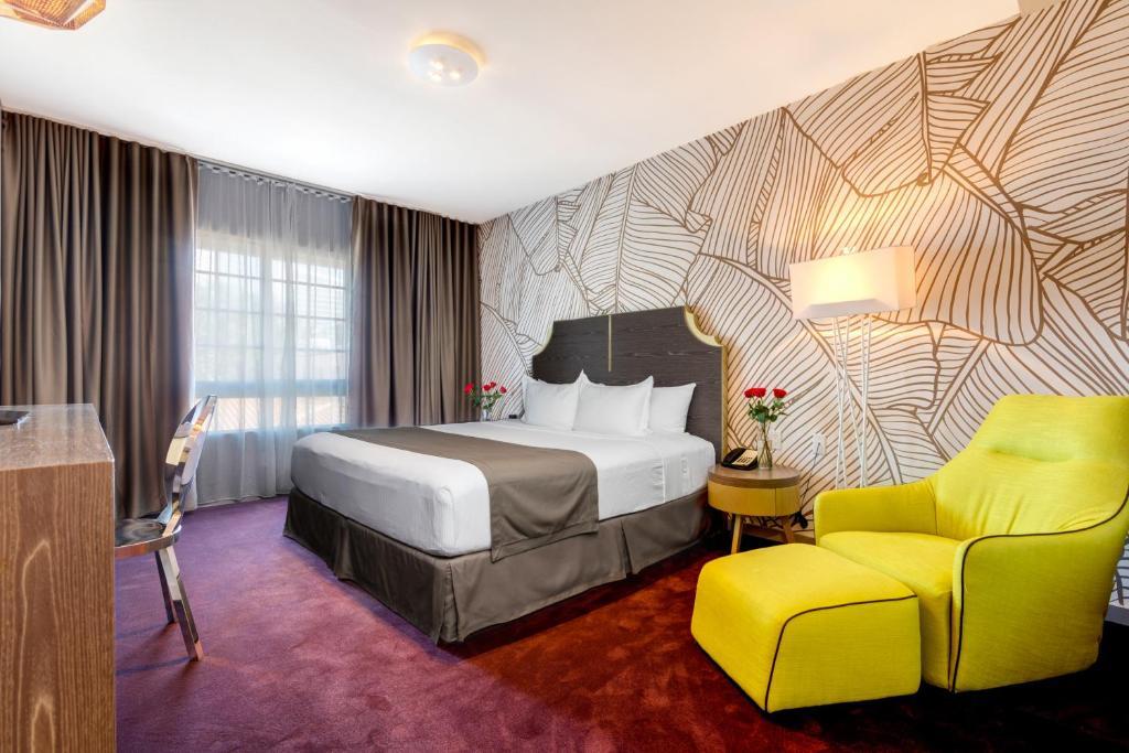 L Hotel Photo #36