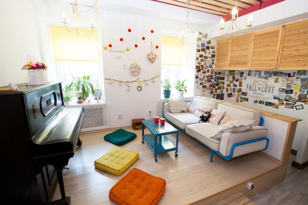 Fall In Love Hostel
