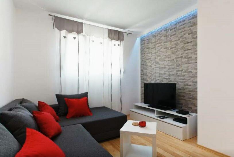 Mile Apartment
