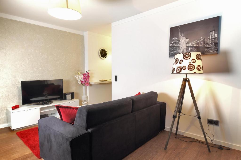 the queen luxury apartments villa medici luxembourg viamichelin informationen und online. Black Bedroom Furniture Sets. Home Design Ideas