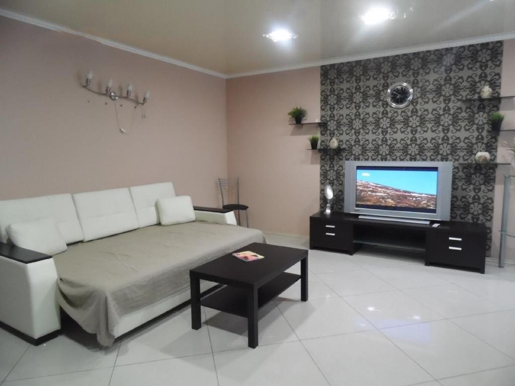 Apartment on Prospect Oktyabrya 42