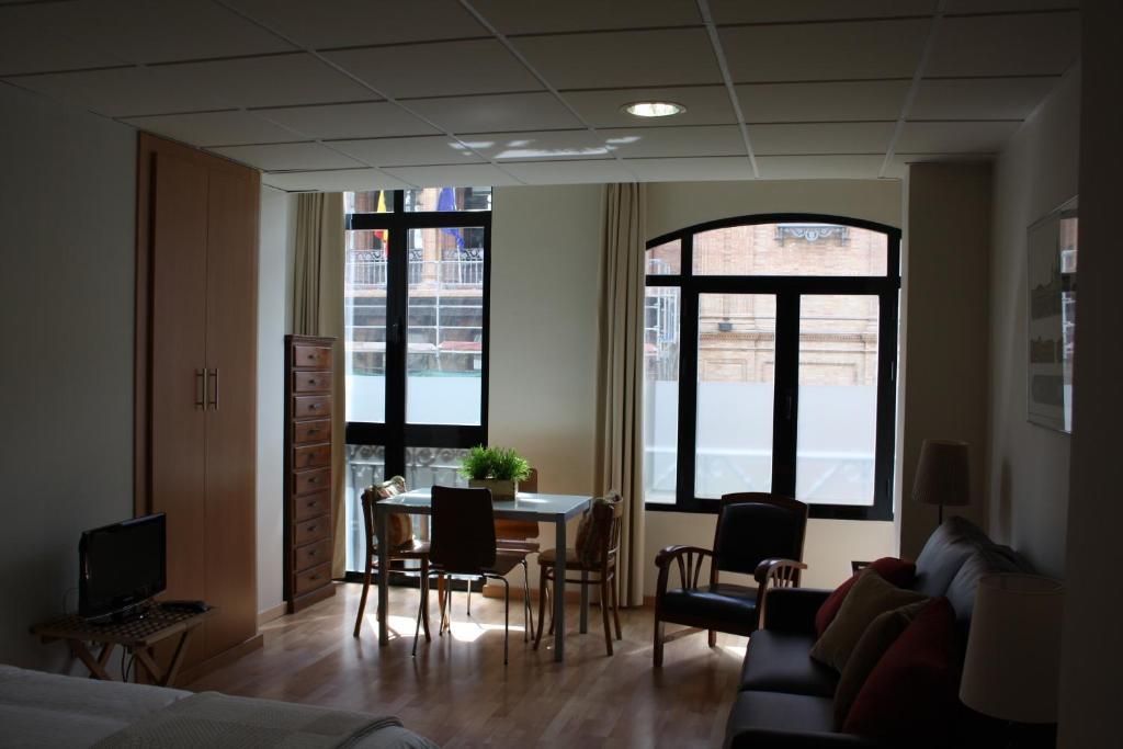 Apartamentos avenida sevilha reserve o seu hotel com viamichelin - Apartamentos avenida ...