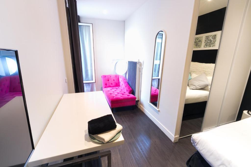 Id al h tel design r servation gratuite sur viamichelin for Hotel ideal design paris 14