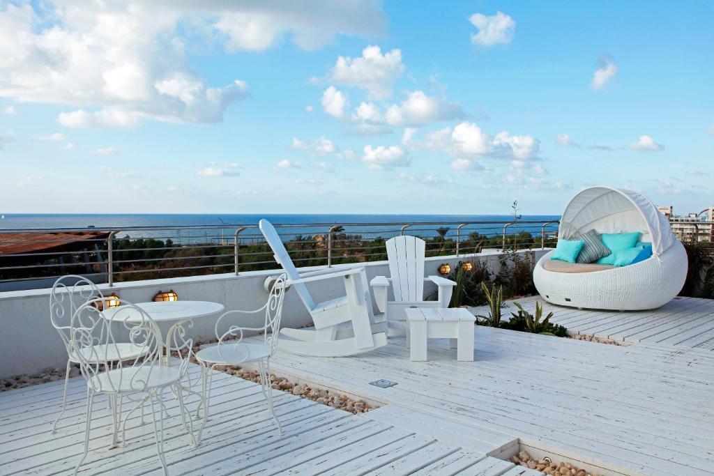 Cucu hotel planet for Maxim design hotel 3 star superior