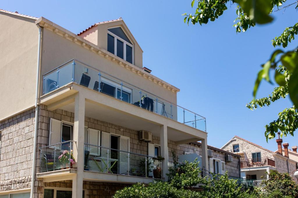 Apartments Laledo