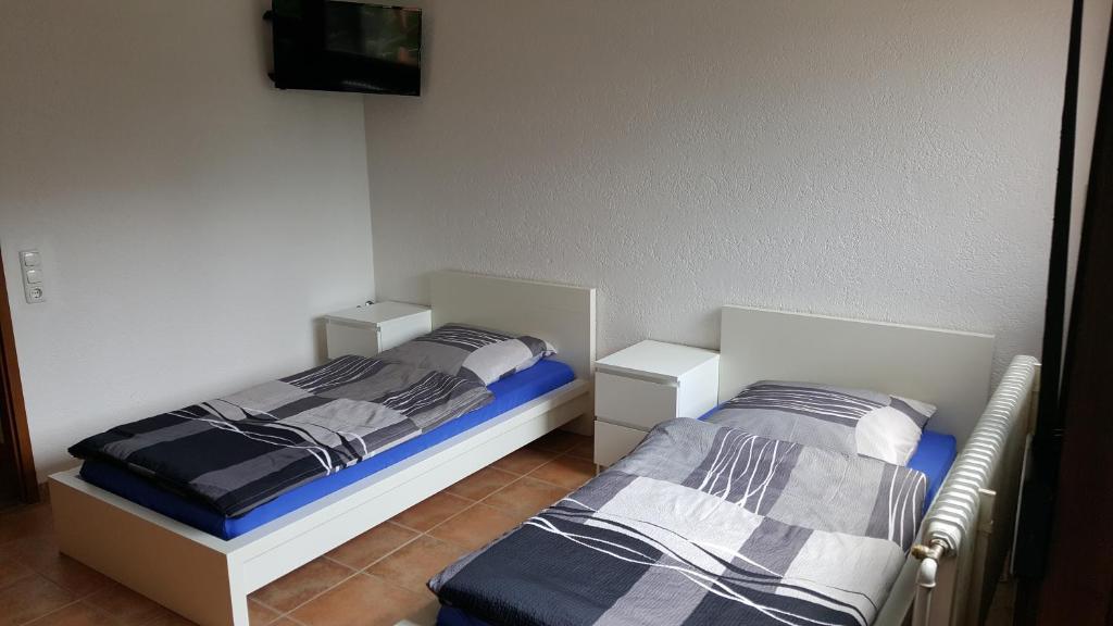 apart g stehaus bb b blingen online booking viamichelin. Black Bedroom Furniture Sets. Home Design Ideas