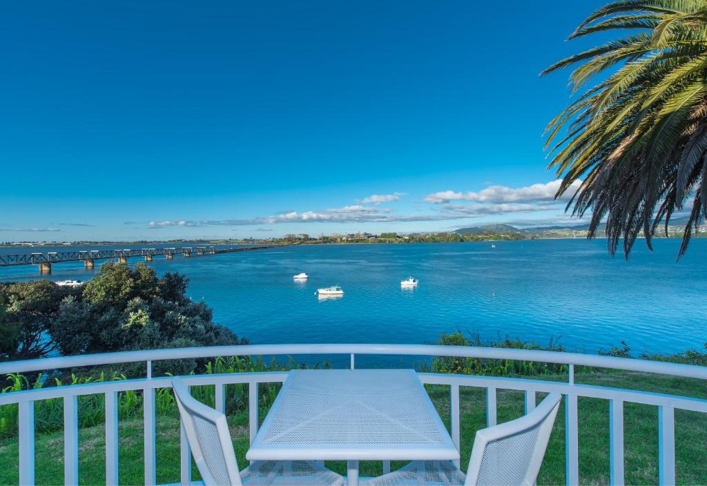 Executive Queen Suite - Water Front The Tauranga on the Waterfront