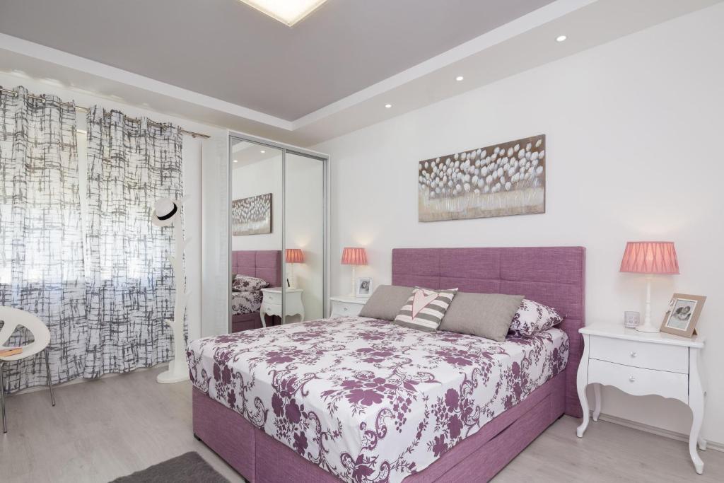 Old City Luxury Apartment Iris
