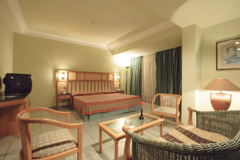 Standard Single Room With Pool or Seaside View Sea Garden Hotel