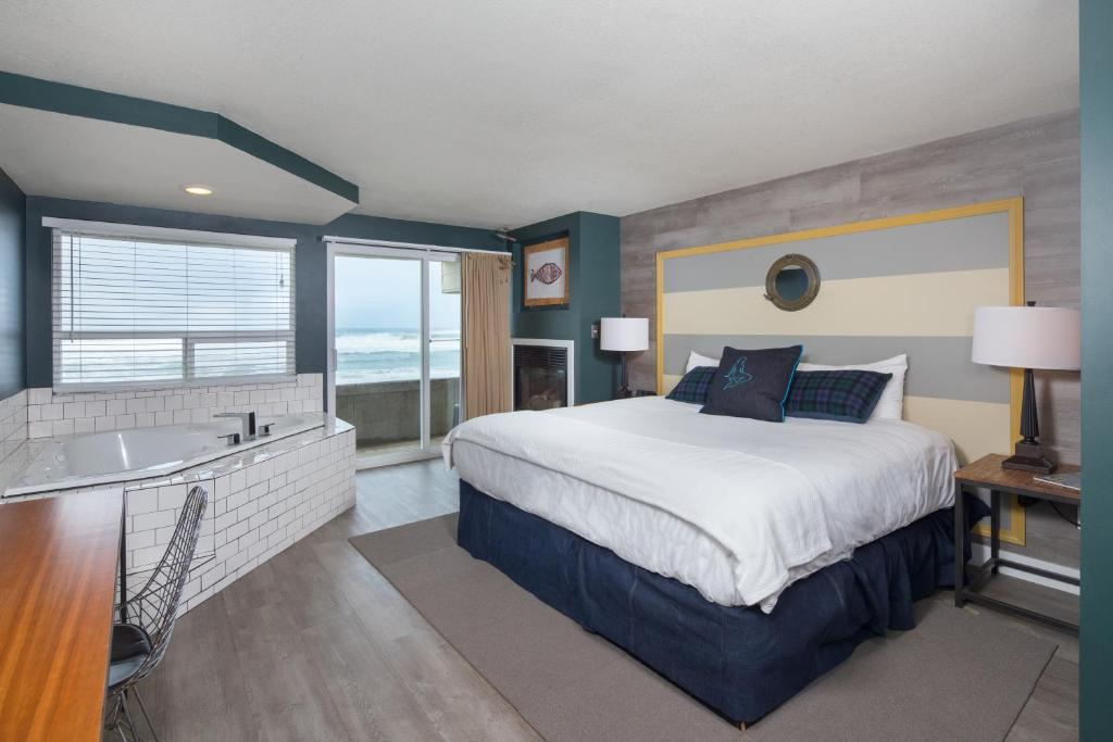 Book Now Surftides Lincoln City (Lincoln City, United States). Rooms Available for all budgets. This beachfront hotel is located in Lincoln City Oregon 2 miles from Devils Lake Golf Course. It features an on-site restaurant an indoor pool and free in-room Wi-Fi.A firepla
