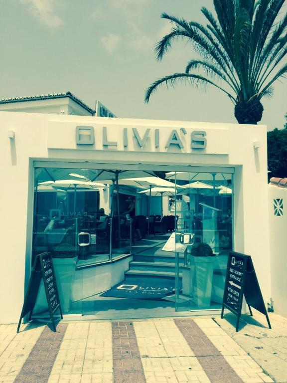 Apartamento alta loma on club la costa fuengirola prenotazione on line viamichelin - Karaoke aggiungi un posto a tavola ...