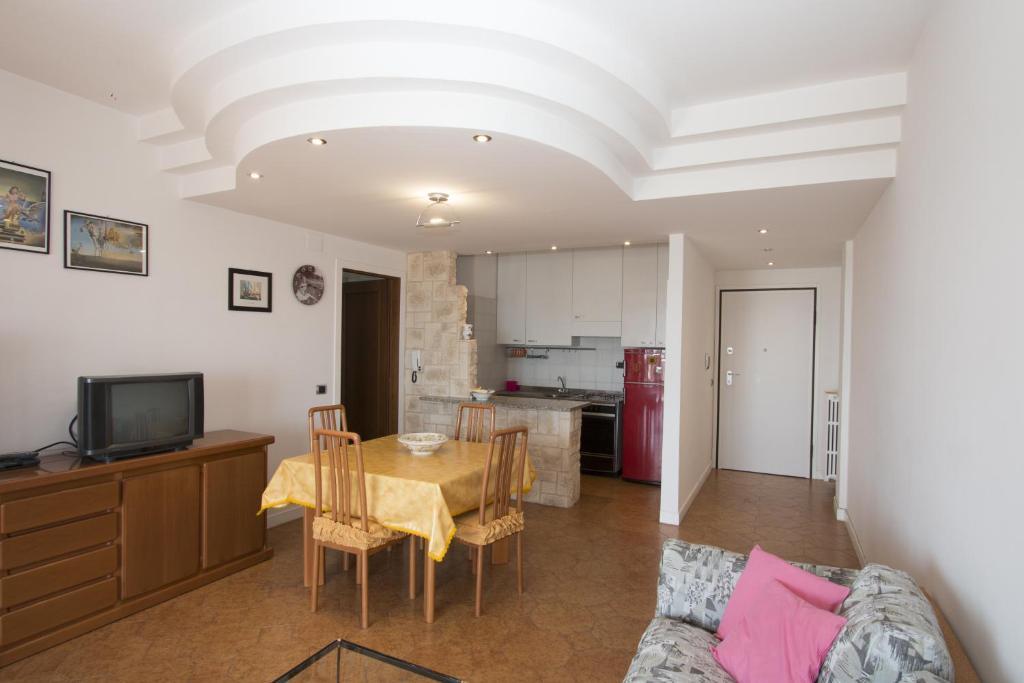Hotel Rivadoro Martinsicuro Book Your Hotel With Viamichelin