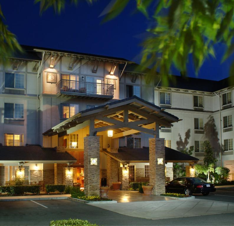 Larkspur Landing Roseville-An All-Suite Hotel