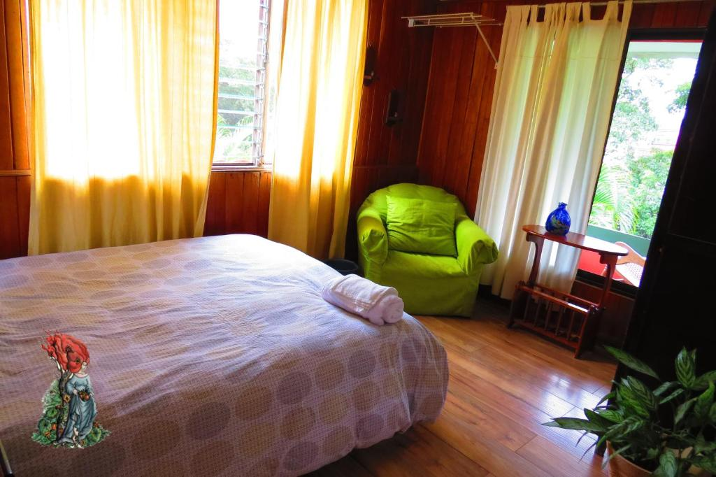 Double Room with Shared Bathroom De La Tierra EcoHouse Farm