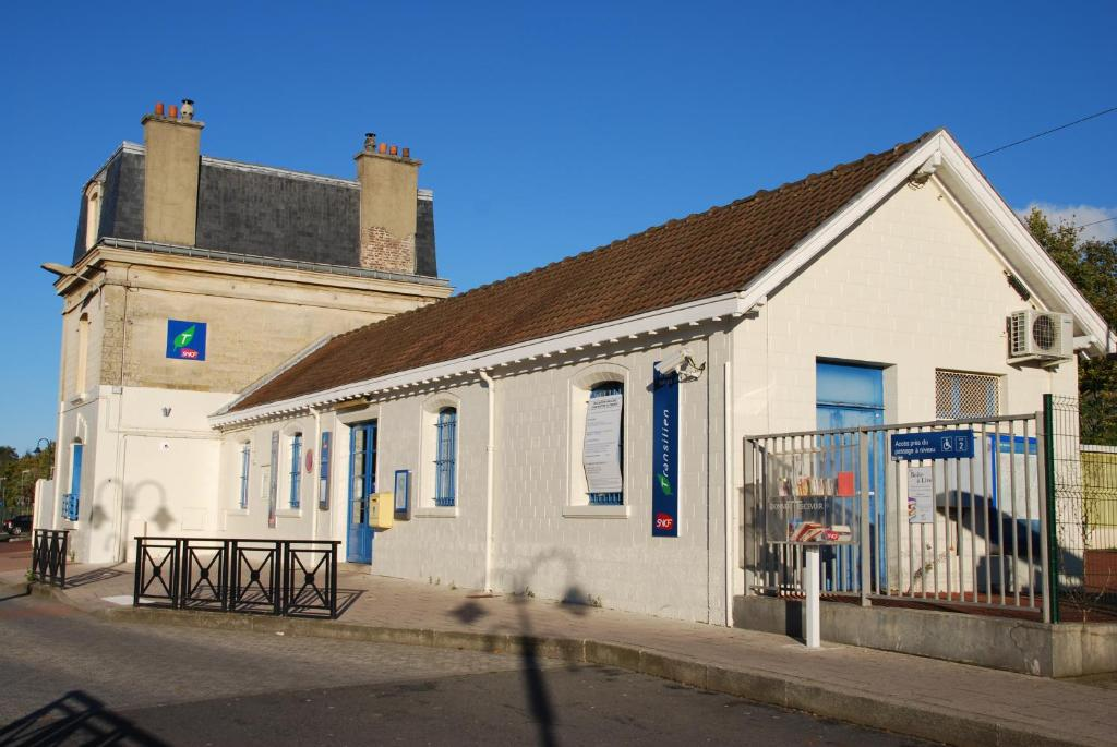 Domeric pontoise online booking viamichelin for Garage ad mery sur oise