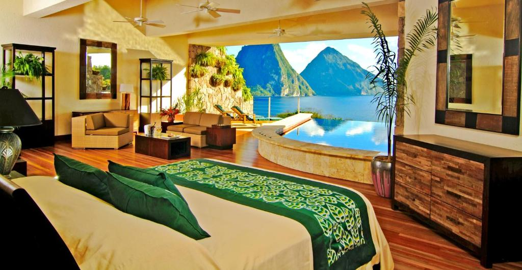 Star Infinity Pool Sanctuary Jade Mountain
