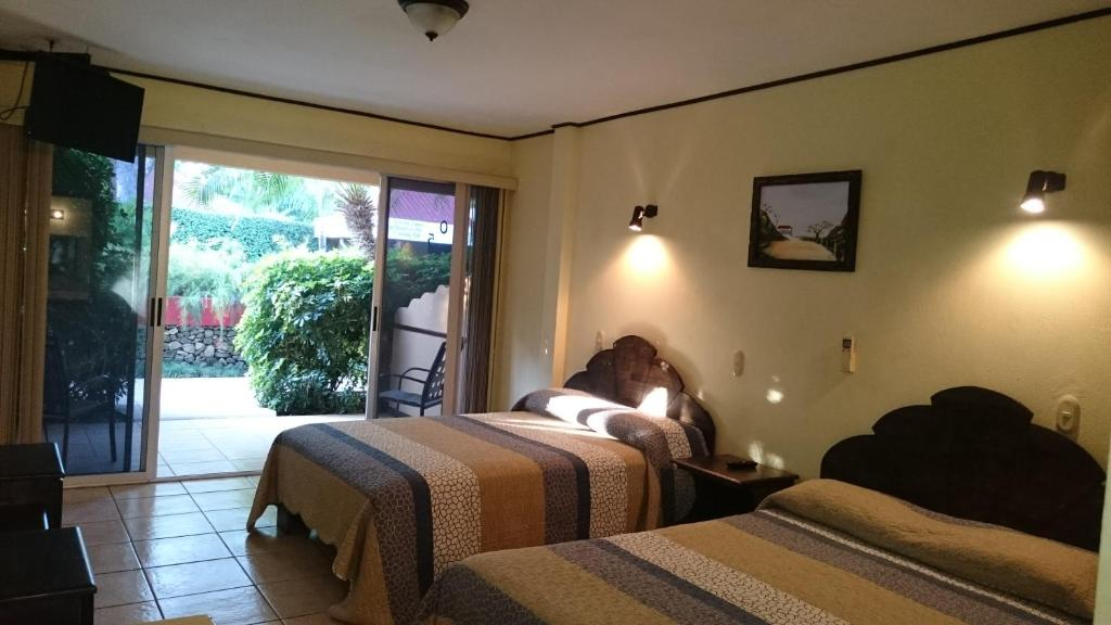 Double Room with Two Double Beds Hotel Mangaby