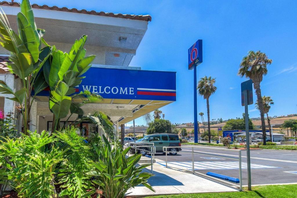 Motel 6-Pomona, CA - Los Angeles