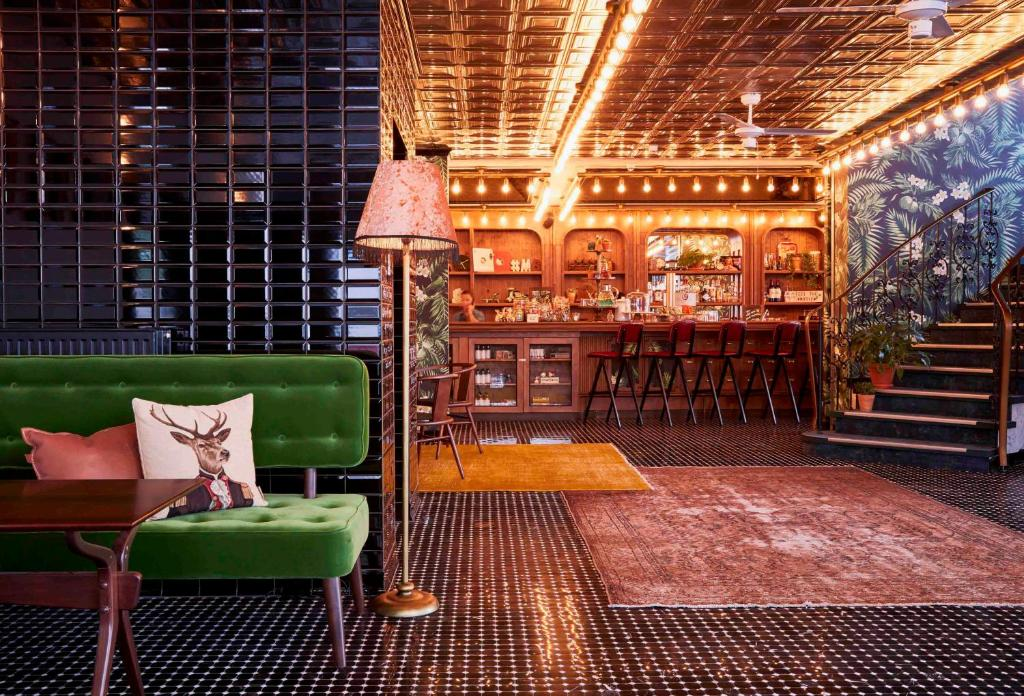 max brown hotel midtown r servation gratuite sur viamichelin. Black Bedroom Furniture Sets. Home Design Ideas