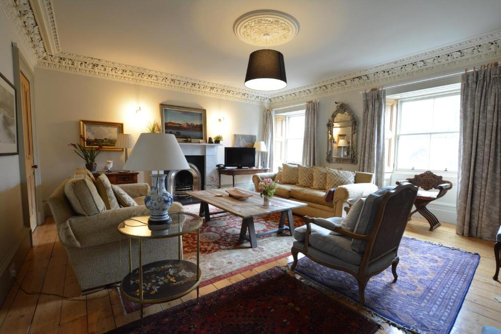 Royal Mile Elegance - Space & Luxury