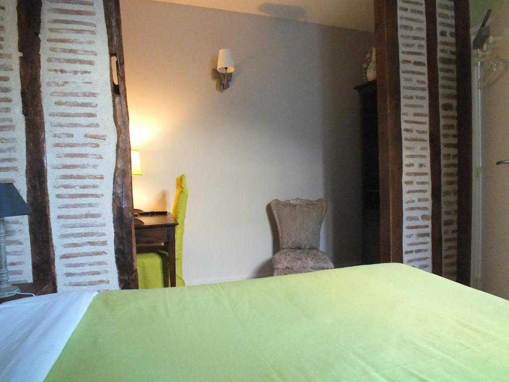 alcove des beaux arts tours reserve o seu hotel com viamichelin. Black Bedroom Furniture Sets. Home Design Ideas