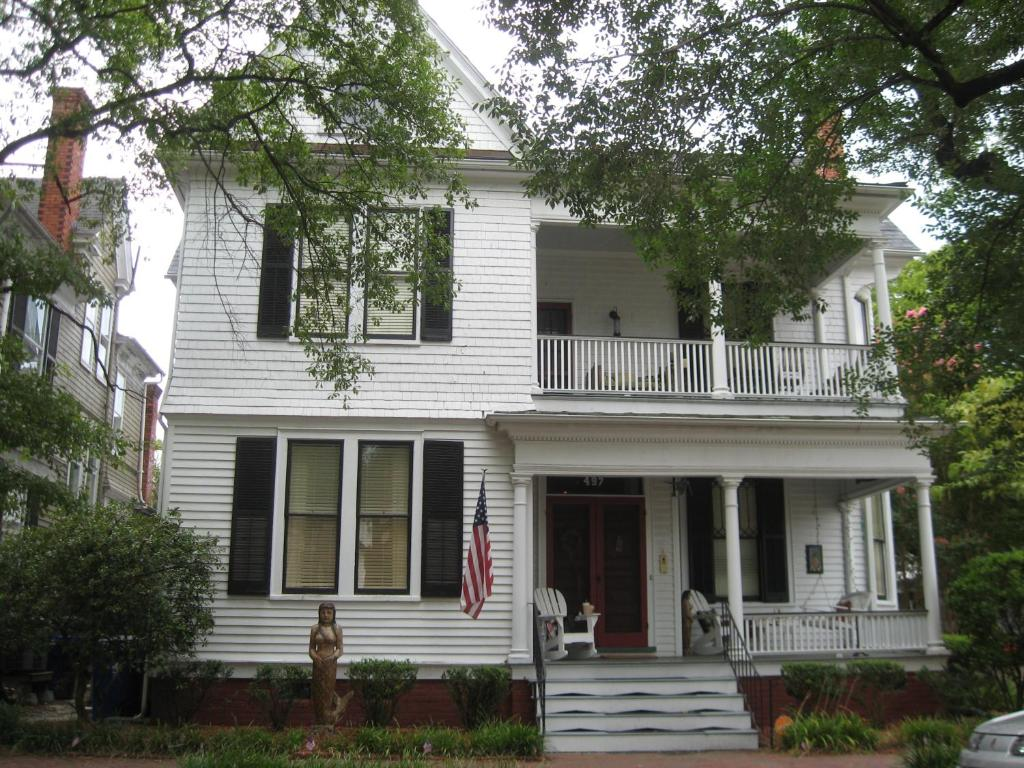 Mermaids 39 porch bed breakfast portsmouth viamichelin for Porches login