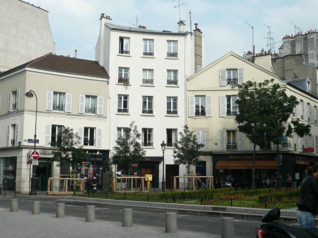 Restaurant Rue Des Batignolles Paris