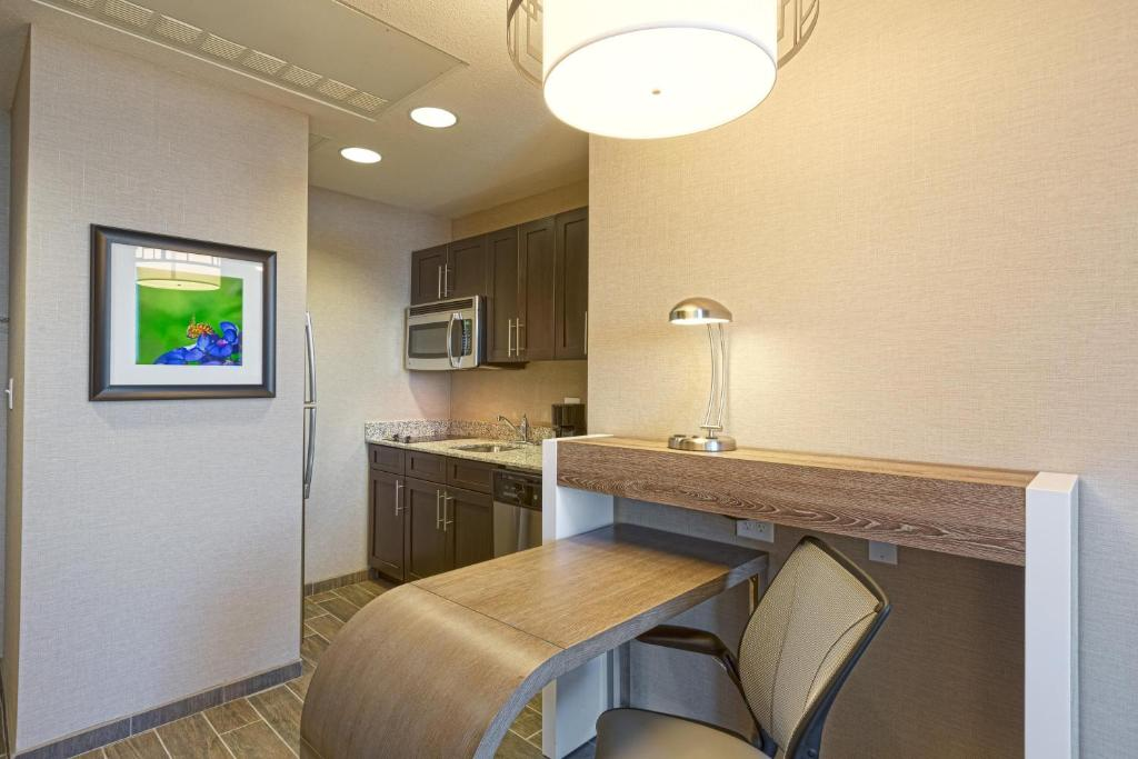 Homewood Suites by Hilton Houston Downtown Photo #14