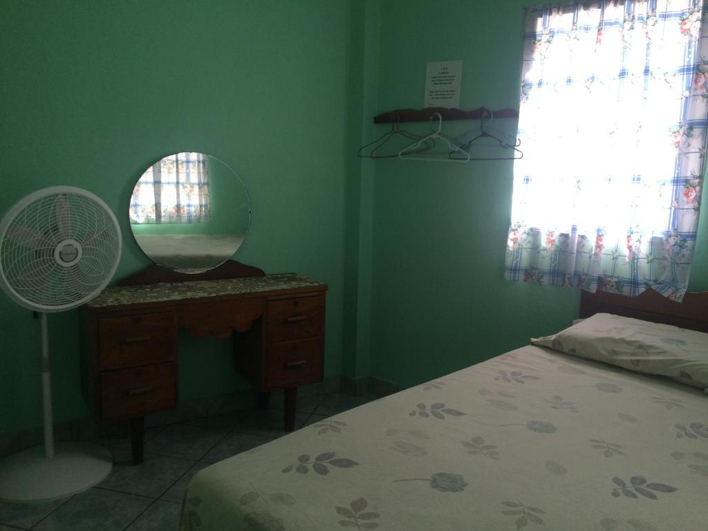 Double Room J & R Guest House