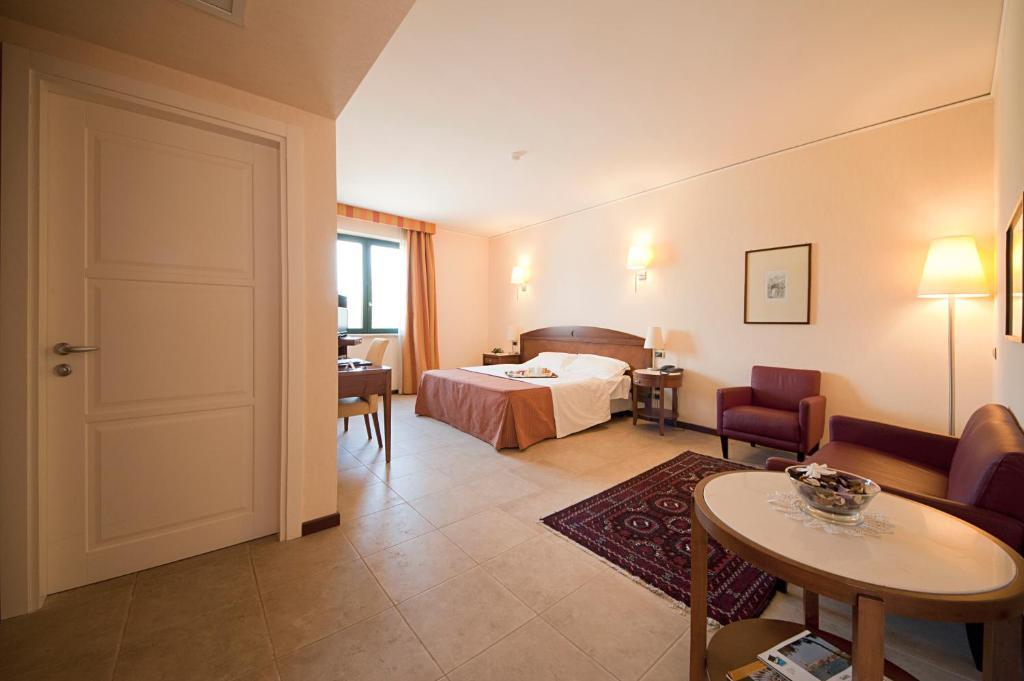 Grand Hotel Paestum Via Laura