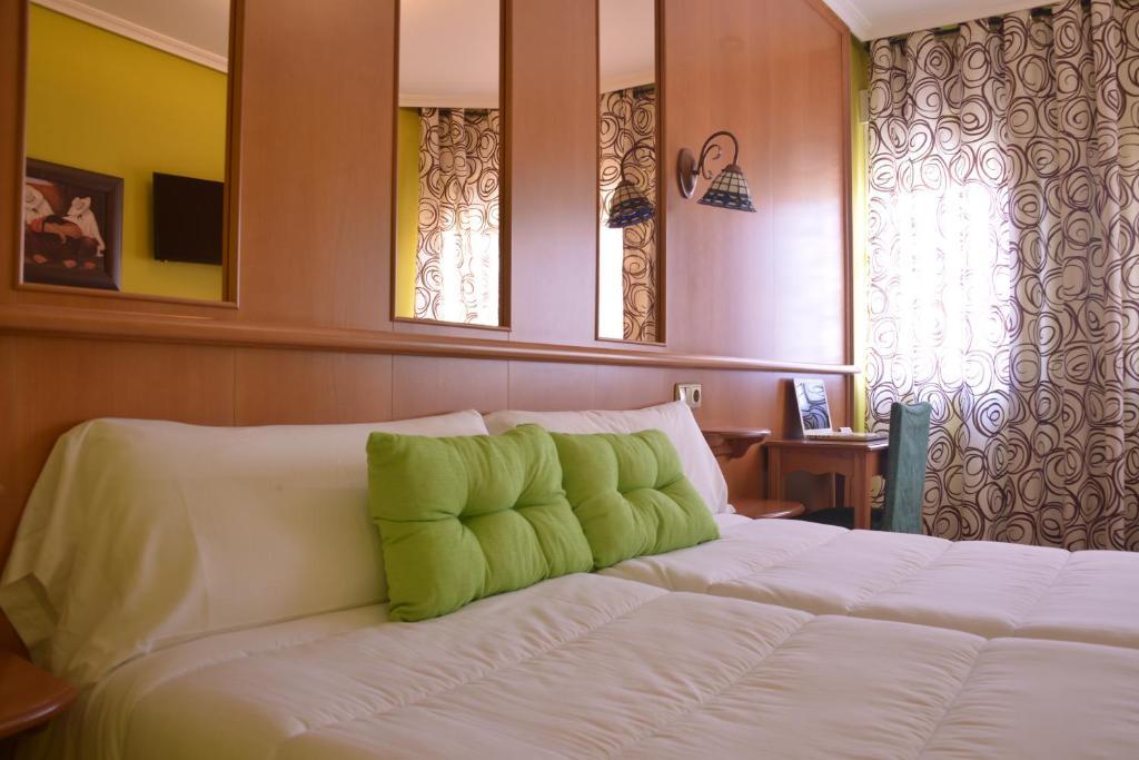 Hotel aro 39 s casas ib ez viamichelin informatie en online reserveren - Hotel aro s casas ibanez ...