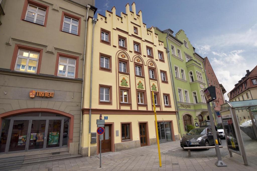 arnulfsplatz aparts regensburg informationen und buchungen online viamichelin. Black Bedroom Furniture Sets. Home Design Ideas