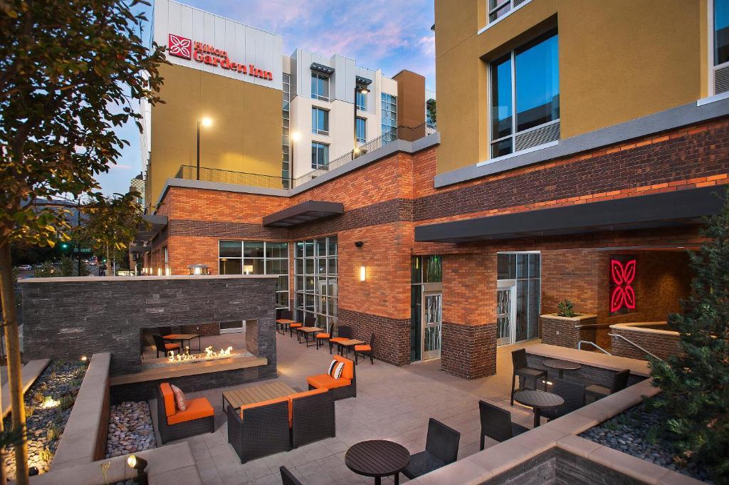 Hilton Garden Inn Burbank Downtown, CA Photo #0