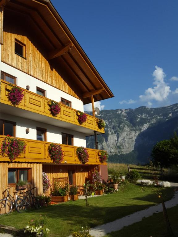 Haus salzkammergut bad aussee book your hotel with for Haus bad aussee