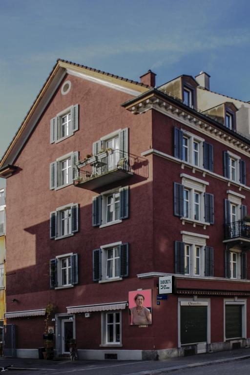Dakini 39 s bed breakfast z rich prenotazione on line for Herman s wohnzimmer 8004 zurich