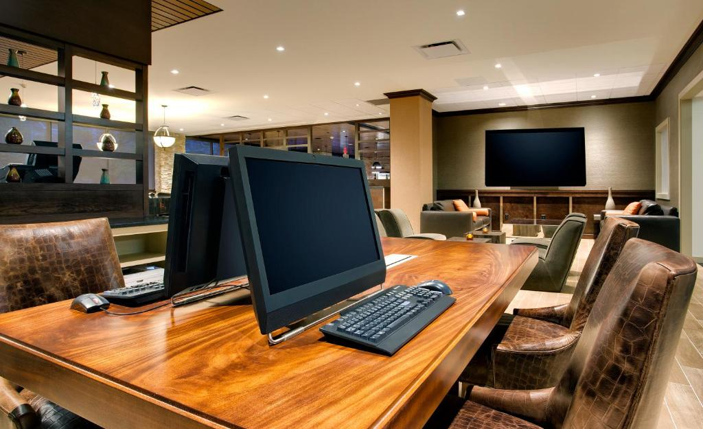 DoubleTree by Hilton Hotel & Suites Jersey City Photo #41
