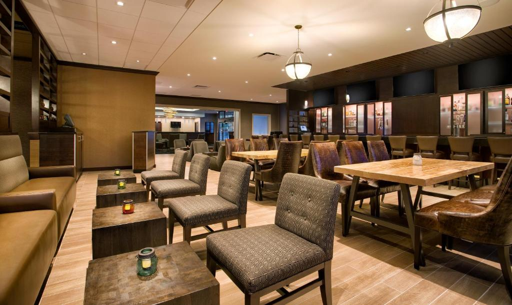 DoubleTree by Hilton Hotel & Suites Jersey City Photo #42