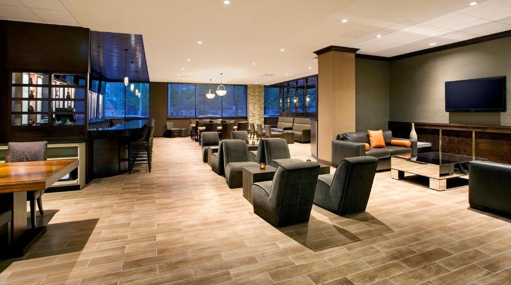 DoubleTree by Hilton Hotel & Suites Jersey City Photo #44