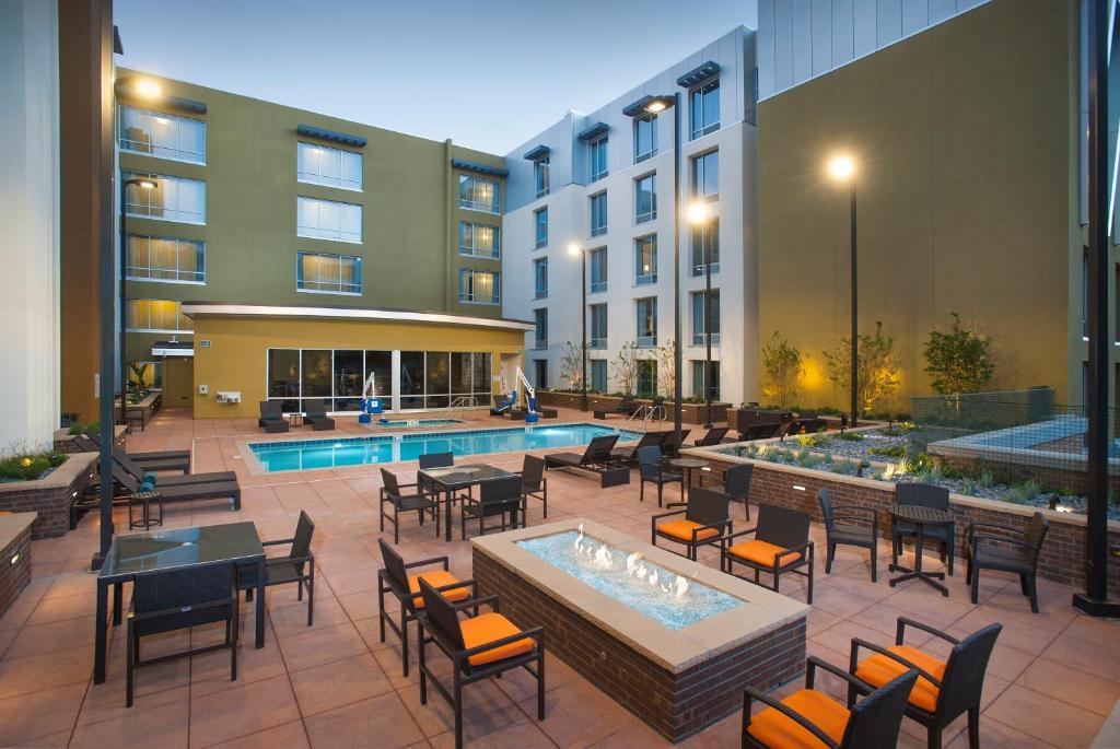 Hilton Garden Inn Burbank Downtown, CA Photo #31