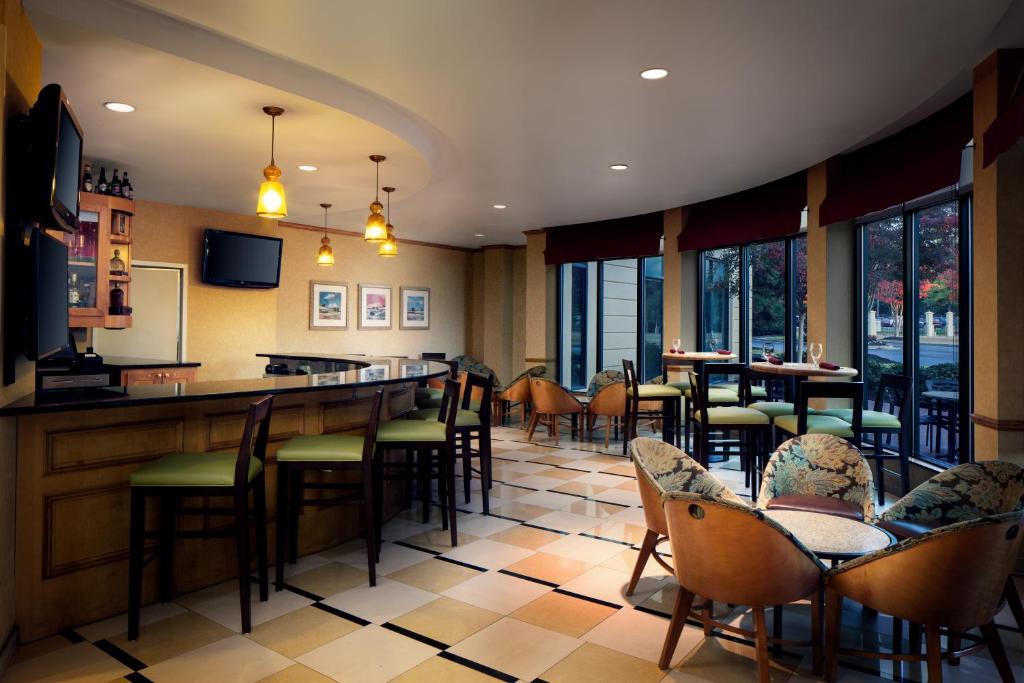 Hilton garden inn atlanta airport millenium center - Hilton garden inn college park ga ...