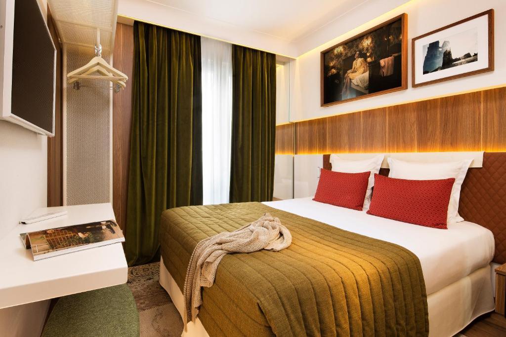 Hotel Turenne Paris France